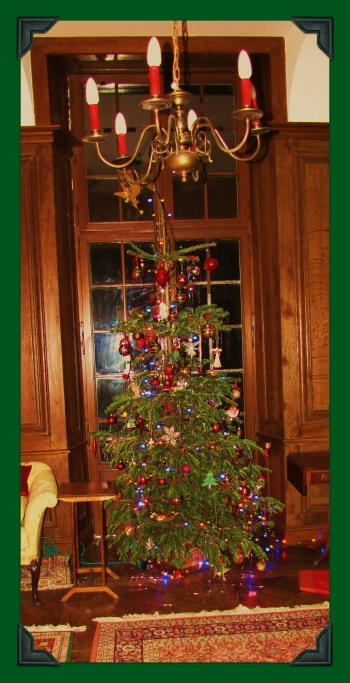 Old Fashioned Christmas Tree 2012